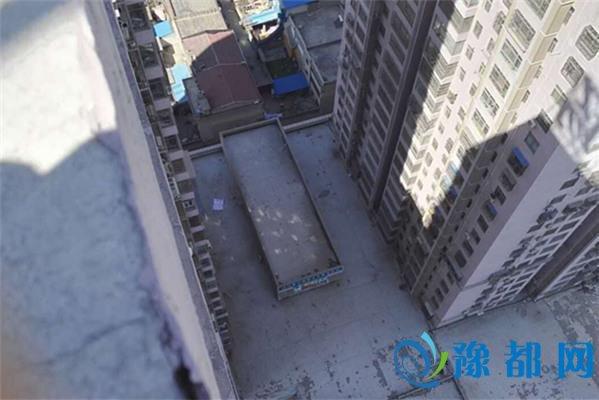 郑州女子从21楼坠亡 疑因丈夫有外遇偷卖房子