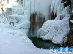 灵宝现冰瀑美景 瀑布流水成冰挂
