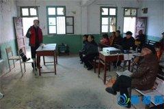 县科技局深入帮扶村开展农业科技培训