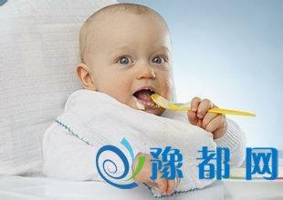 宝宝不爱吃辅食怎么办?医生支招