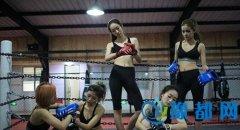 图:实拍中国美女保镖训练营 个个天使面孔武力超群