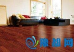 小妙招:壁纸胶滴到地板上怎么办?