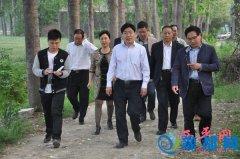 县长申保卫深入专探、杨庄、芦庙调研指导脱贫攻坚和防汛工作