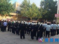 """人民街道集中整治""""两违""""  依法组织强拆"""