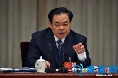 """王儒林答反腐""""三连问"""":腐败是破坏经济的毒瘤"""