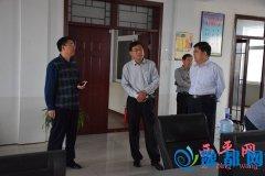 县委常委、宣传部长郑�B到县文广新局、县广播电视台调研