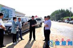 县委书记聂晓光到县第六中学及柏苑大道调研项目推进情况