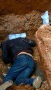 安徽一官员困工地深坑身亡