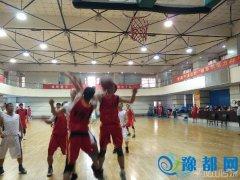 """鹰城10余支篮球队争夺世界华人篮球邀请赛""""入场券"""""""