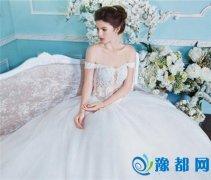 露肩婚纱最新款式 如何选出唯美婚纱照