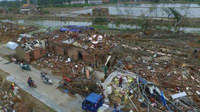 航拍江苏龙卷风受灾现场 民房近全毁一片废墟