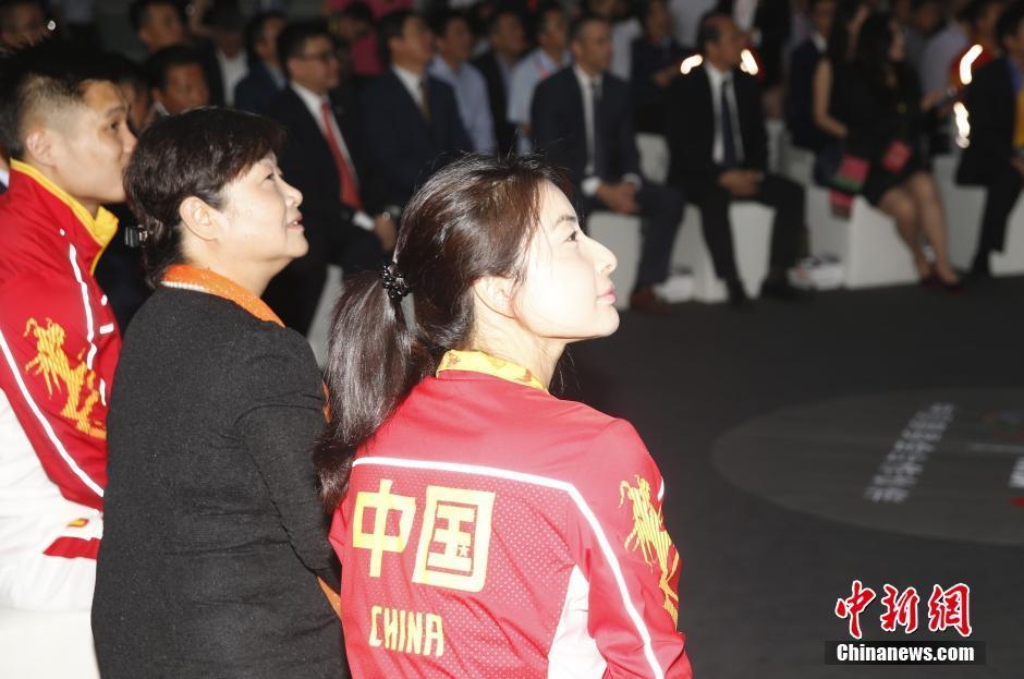 6月29日,中国体育代表团2016里约奥运会装备发布仪式在北京举行,图为郭晶晶出席活动。 中新社记者 张浩 摄
