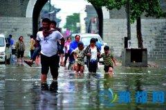 鹤壁昨日遭遇强降水天气 浚县城区多地积水严重