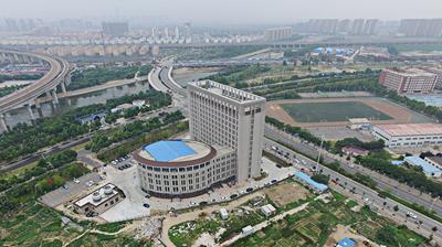 河南高校现奇葩建筑 大楼造型酷似马桶