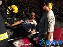 福银高速多车追尾多人受伤 消防员救出5名伤员