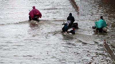 记者暴雨现场带来海量图片 啥也不说了,看图!