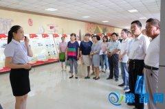市人社局组织党员干部参观纪念建党95周年图片展
