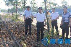 柳自强督导平桥区大气和水污染防治攻坚工作