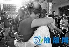郑州中考落幕 河南烩面、屠呦呦入考题