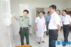 县委书记许远福、县长汪明君视察征兵体检工作