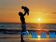 一位父亲的心酸检讨:孩子我宁愿相信你大器晚成!