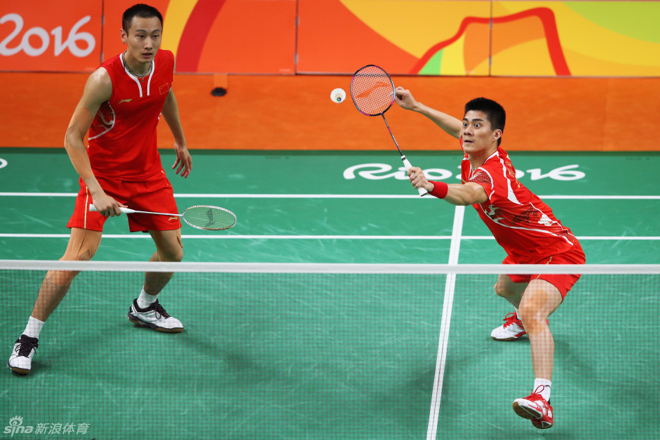里约奥运会,羽毛球男子双打金牌赛,傅海峰/张楠成功夺金。