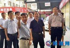 戚存杰到人民街道西刘庄市场调研督导创卫工作