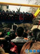 网曝仰韶广场一男子玩360度旋转游戏从高空掉落死亡