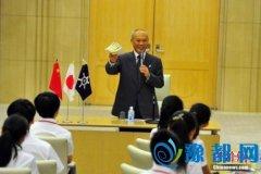 东京知事称愿退还工资求留任 日本朝野促其辞职
