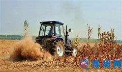 农机手张留印:秸秆还田 增收致富