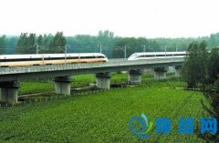 中国标准动车组实验成功:时速420公里的擦肩