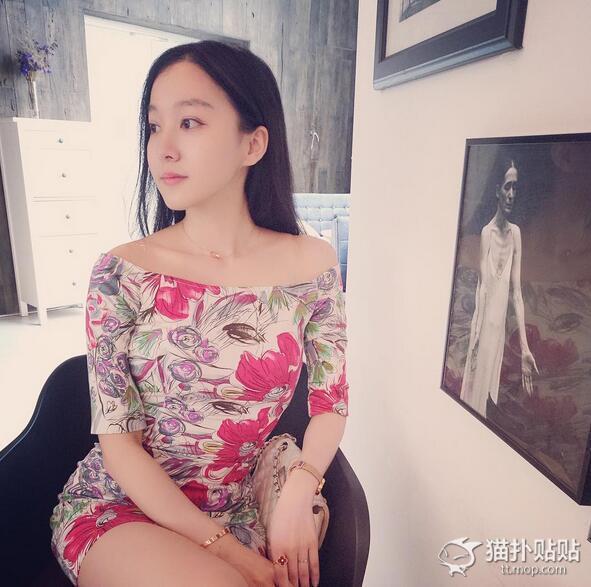 之前被网友曝光是马龙女朋友后,夏露的微博已经注销,疑似想低调保护这份恋情。