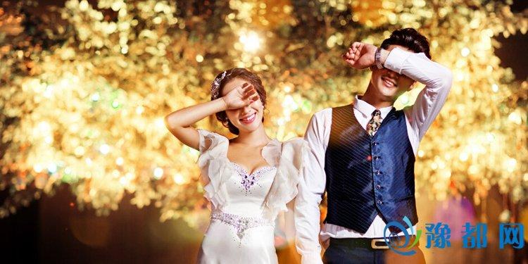夜景烟花婚纱照技巧 给她一个童话般的婚礼