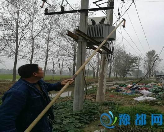 孟寨乡多部门联合执法关停两家塑料颗粒厂