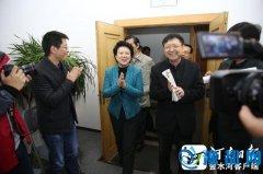 赵素萍检查指导河南日报报业集团省十次党代会报道工作