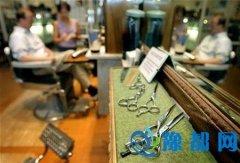 英理发师游历21国向同行取经 为人剪发磨练技术