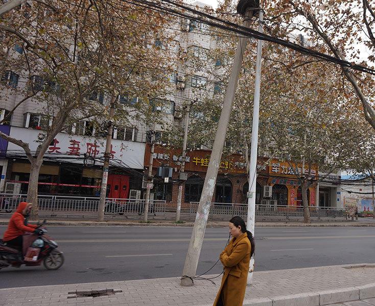 12月14日下午17时许,映象网联系郑州市12319,118号工作人员称,将会尽快联系相关部门前去处理。