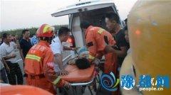 安徽灵璧:13男孩骑车转弯不看车被大货车碾压(图)