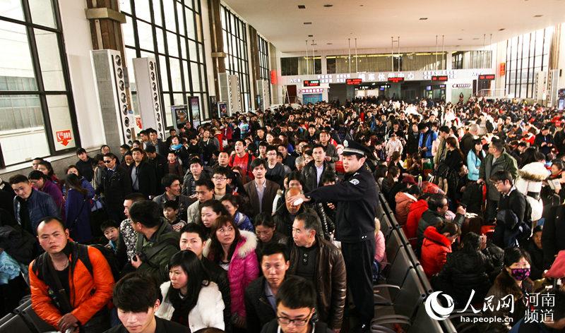 郑州火车站平稳有序 周延民供图