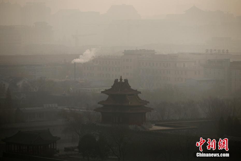 环保部称,截至目前,24个城市启动了重污染天气红色预警;21个城市启动了橙色预警;16个城市启动黄色预警。