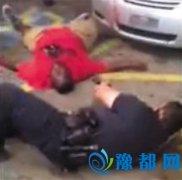 美国白人警察枪杀非洲裔小贩 200余民众聚集抗议