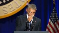 奥巴马谈及妻子深情落泪 听众致敬第一夫人