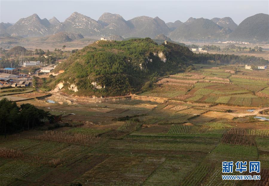 这是贵州贵安新区牛坡洞遗址(2012年10月18日摄)。新华社发