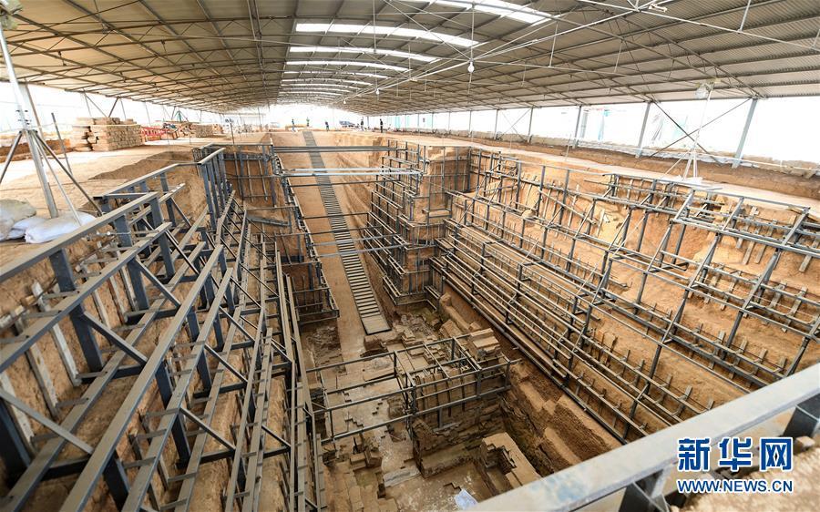 这是河南洛阳市西朱村曹魏大墓考古发掘现场(2016年11月8日摄)。新华社记者李贺摄