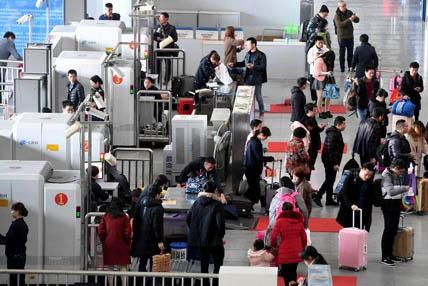 中国铁路迎来新一轮客流高峰