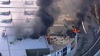 澳大利亚首都一飞机撞击商场后坠毁浓烟滚滚 已有5人死亡