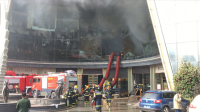 实拍南昌酒店火灾救援现场 事故已致10人遇难