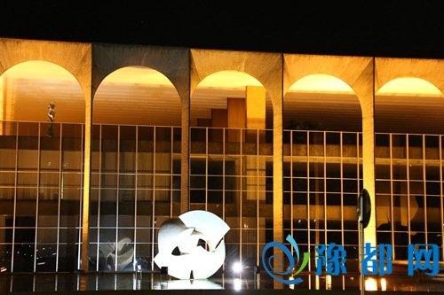 人民网巴西利亚7月23日电(记者张卫中)巴西临时政府外长塞拉今天宣布,将有45名外国元首或政府首脑出席里约热内卢奥运会开幕式。