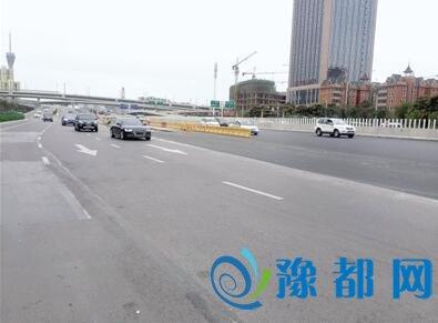郑州中州大道这一截再添俩车道 本月20号前完工