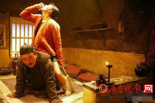 """""""达康书记""""与张雨绮在电影《白鹿原》里的剧照。"""